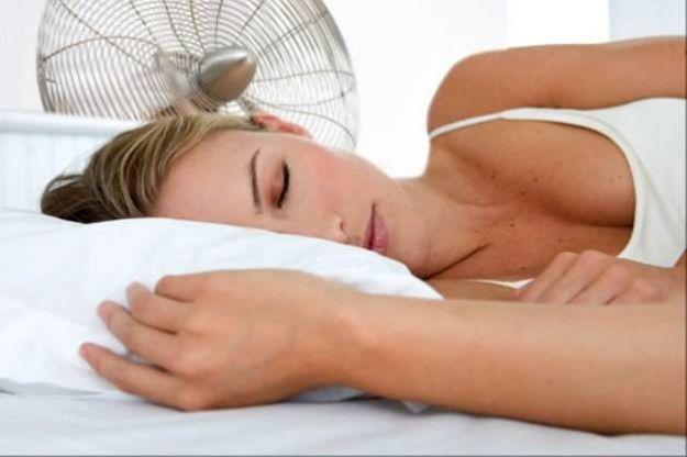 come dormire durante notti calde